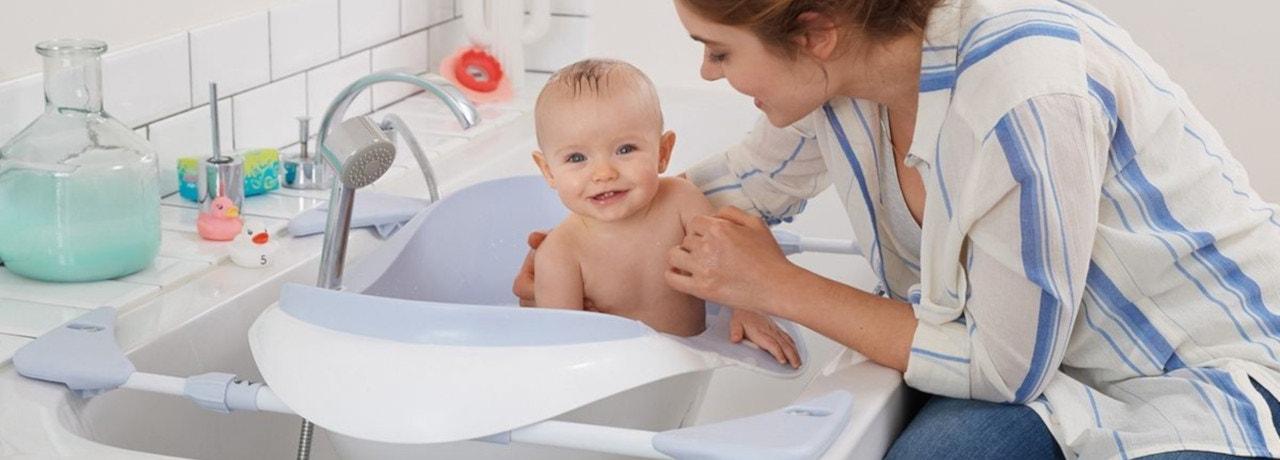 La Baignoire Bebe Soyez Bien Equipe Pour Donner Le Bain A Votre Bebe La Redoute
