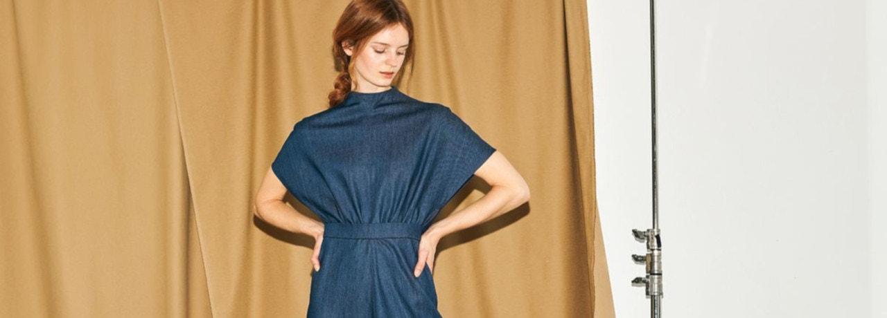 Comment porter la robe en jean sans faire de faux pas ? | La
