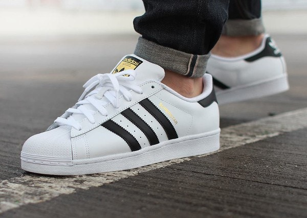 22c708b45b6 Dossier   Stan Smith ou Adidas Superstar