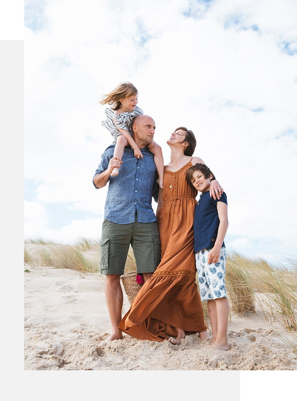 1c33c962773 A summer wind blows on the wardrobe of the whole family. Lighter fabrics,  colors that pop, casual cuts: everything you need to enjoy the sun!