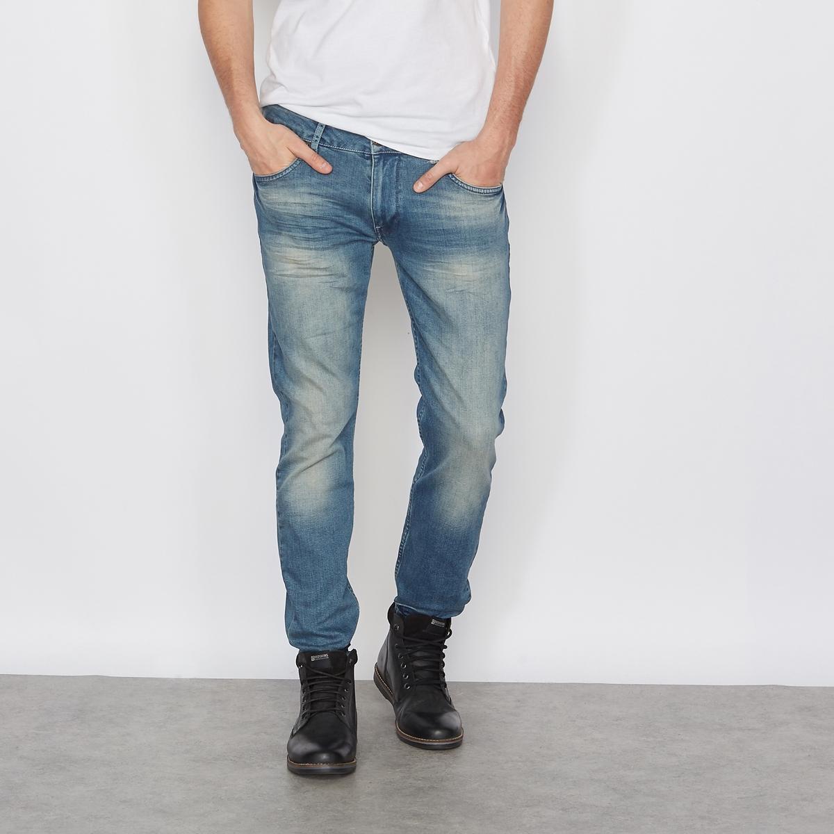 Джинсы прямыеПрямые джинсы с 5 карманами, PETROL INDUSTRIES. Застежка на молнию и пуговицу. Пояс со шлевками. Нашивка сзади. Состав и описаниеМатериал : 99% хлопка, 1% эластанаМарка : PETROL INDUSTRIES<br><br>Цвет: голубой потертый,синий,темно-синий<br>Размер: 36 (US) длина 32.34 длина 32 (US).32 длина 34 (US).31 (US) длина 34.31 длина 32 (US).30 (US) длина 32.36  длина 34 (US).32 (US) длина 32.31 (US) длина 34.28 (US) длина 32.36 (US) длина 32.34 длина 32 (US).31 длина 32 (US).30 (US) длина 32.29 (US) длина 32