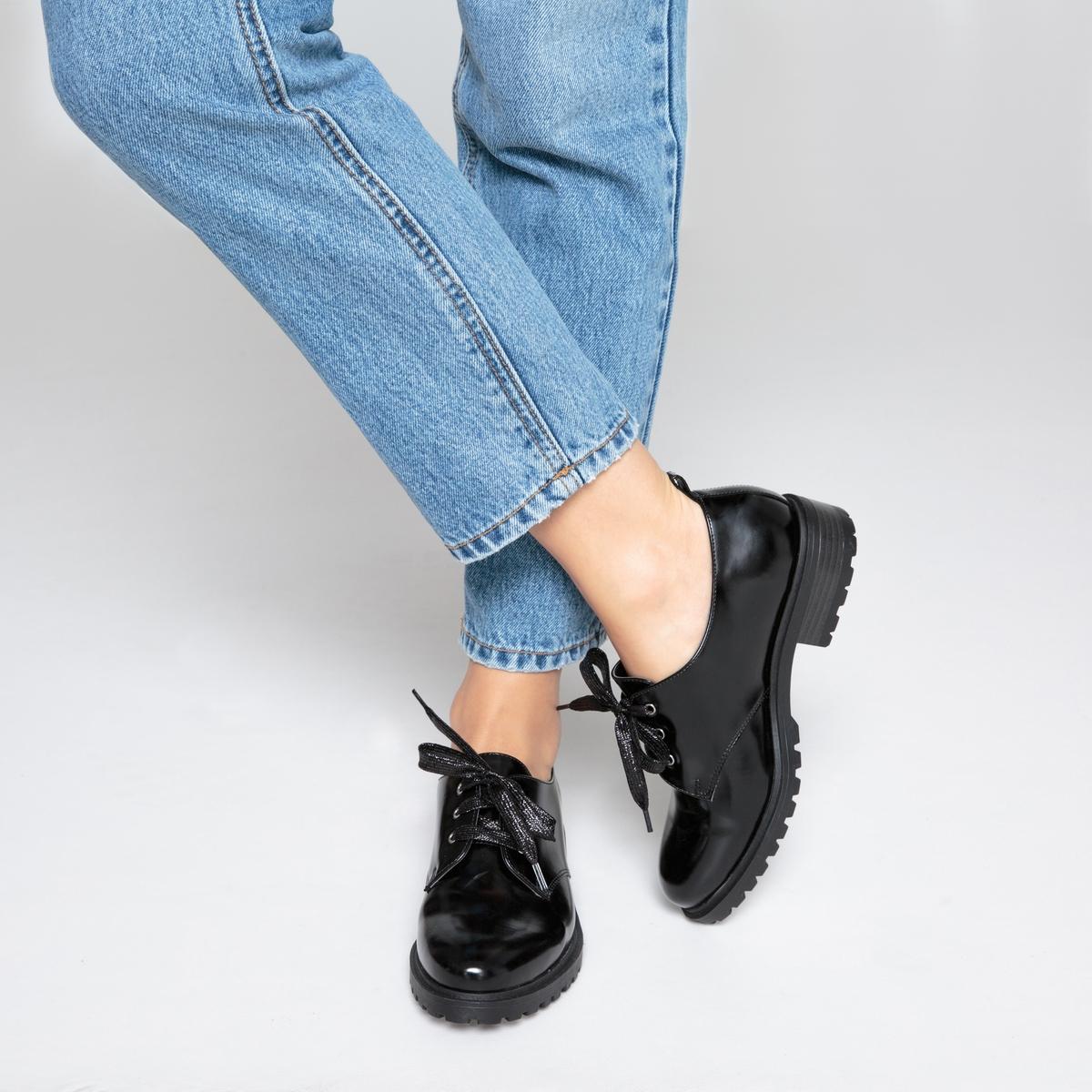 Ботинки-дерби в стиле рокДетали •  Ботинки-дерби •  Высота каблука : 0 см •  Застежка : шнуровка •  Круглый мысок •  Гладкая отделкаСостав и уход •  Верх 100% синтетический материал •  Подкладка 100% текстиль • Стелька 100% кожа  •  Подошва 100% эластомер<br><br>Цвет: черный<br>Размер: 42.37
