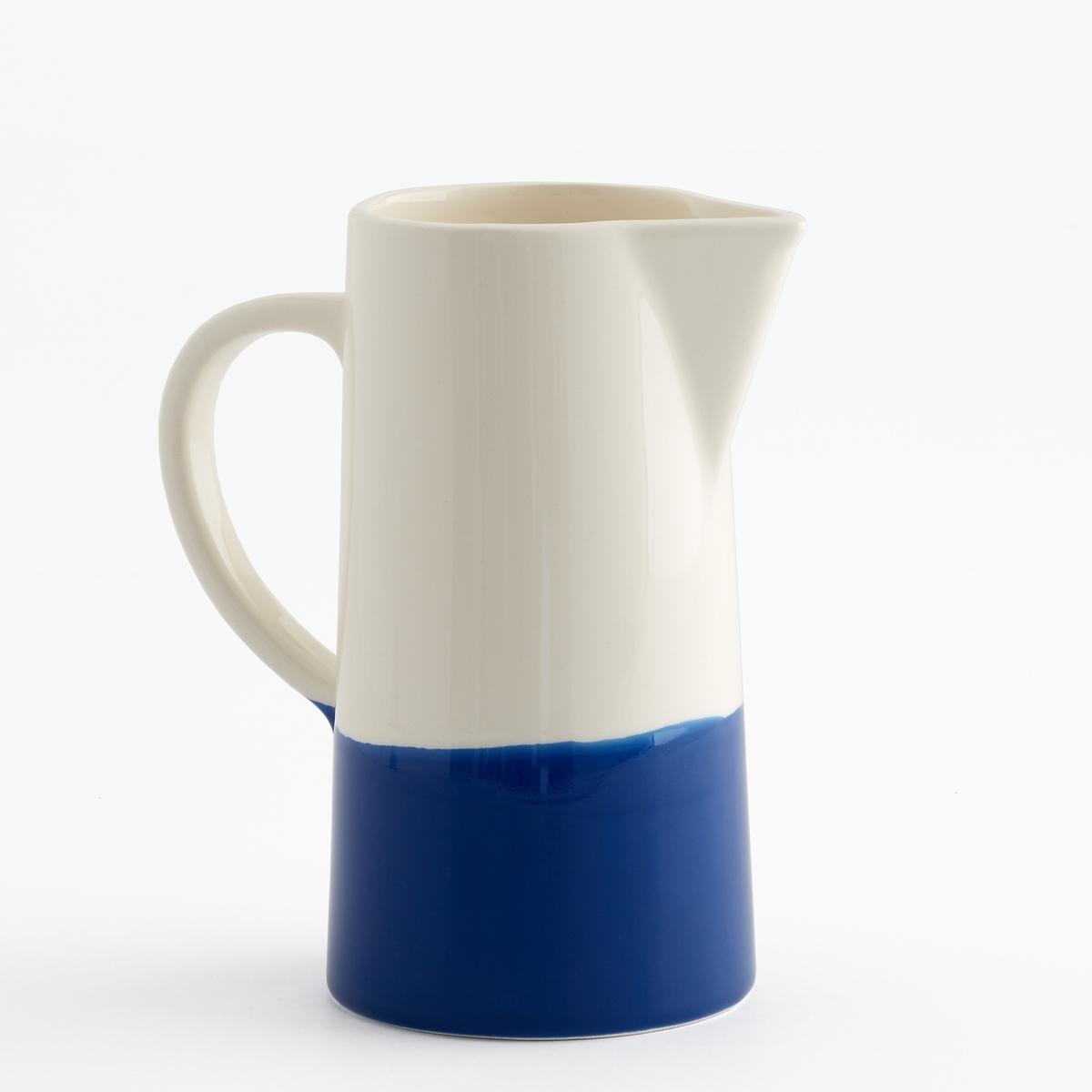 Графин двухцветный из керамики, ZalatoХарактеристики двухцветного графина из керамики Zalato :Керамика.Размеры двухцветного графина из керамики Zalato :Высота : 15,5 см.Диаметр. внизу : 10,5 cм.Диаметр. вверху : 8,5 см.Цвета двухцветного графина из керамики Zalato :Белый / розовый.Белый / синий.Белый / зеленый. Другие графины и предметы декора стола вы можете найти на сайте laredoute.ru<br><br>Цвет: белый + зелено-голубой,белый + розовый,белый + синий индиго