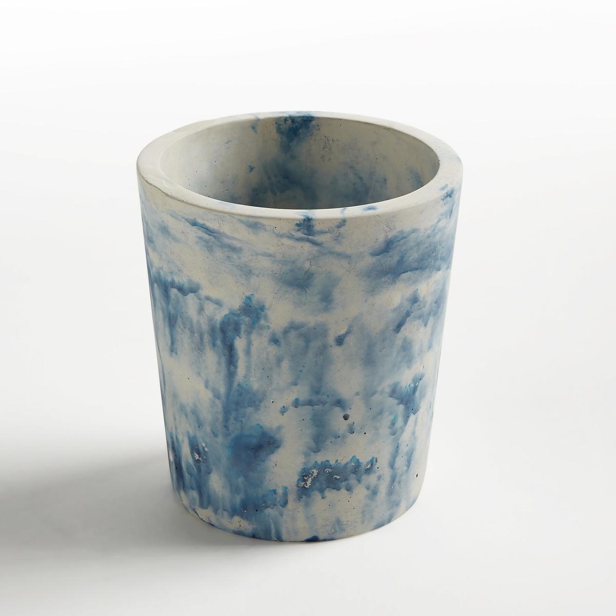 Кашпо из бетона под мрамор, диаметр 16 см, AngermanХарактеристики :- Из окрашенного бетона под мрамор- Ручная работа, каждый мраморный рисунок уникален.Размеры : - диаметр 16 x высота 17,5 см<br><br>Цвет: белый/ синий