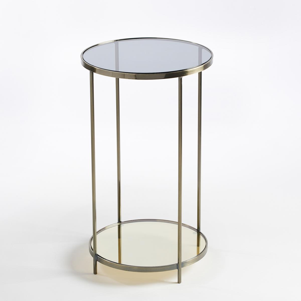 Тумба прикроватная круглая - журнальный столик Ulupna из остаренной латуниПрикроватная тумба - журнальный столик . Элегантность и прозрачность придают тумбе легкость. Отделка из остаренной латуни и внутренняя перегородка с зеркальной поверхностью придают этой тумбе обаянияХарактеристики :- Металлический корпус с отделкой из остаренной латуни .- Верх из дымчатого закаленного стекла толщиной 10 мм.- Внутренняя перегородка из тонированного зеркалаРазмеры  :- ?35 x В60 см.Размеры и вес упаковки : - Ш40,5 x В70 x Г40,5 см, 8,5 кг<br><br>Цвет: старинная латунь