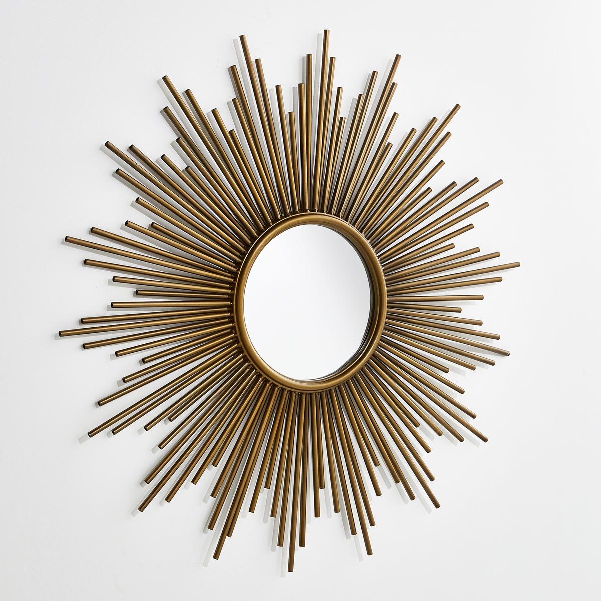 Зеркало в форме солнца, диаметр 80 см, SoledadЗеркало Soledad. Позвольте солнцу сиять в Вашем доме ! Круглое зеркало в оправе из металлических лучей с золотистой отделкой. Крепление на стену, шурупы продаются отдельно. Размеры  : диаметр 80 см.<br><br>Цвет: латунь