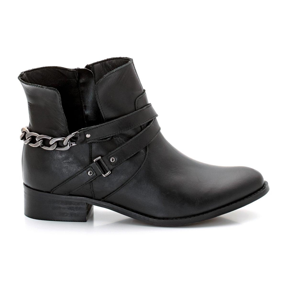 Ботинки кожаныеПодошва: эластомер. Высота каблука:  2.5 см. Застежка:  молния сбоку. Их +: застежка сбоку и ремешки и цепочки сзади.<br><br>Цвет: черный<br>Размер: 41