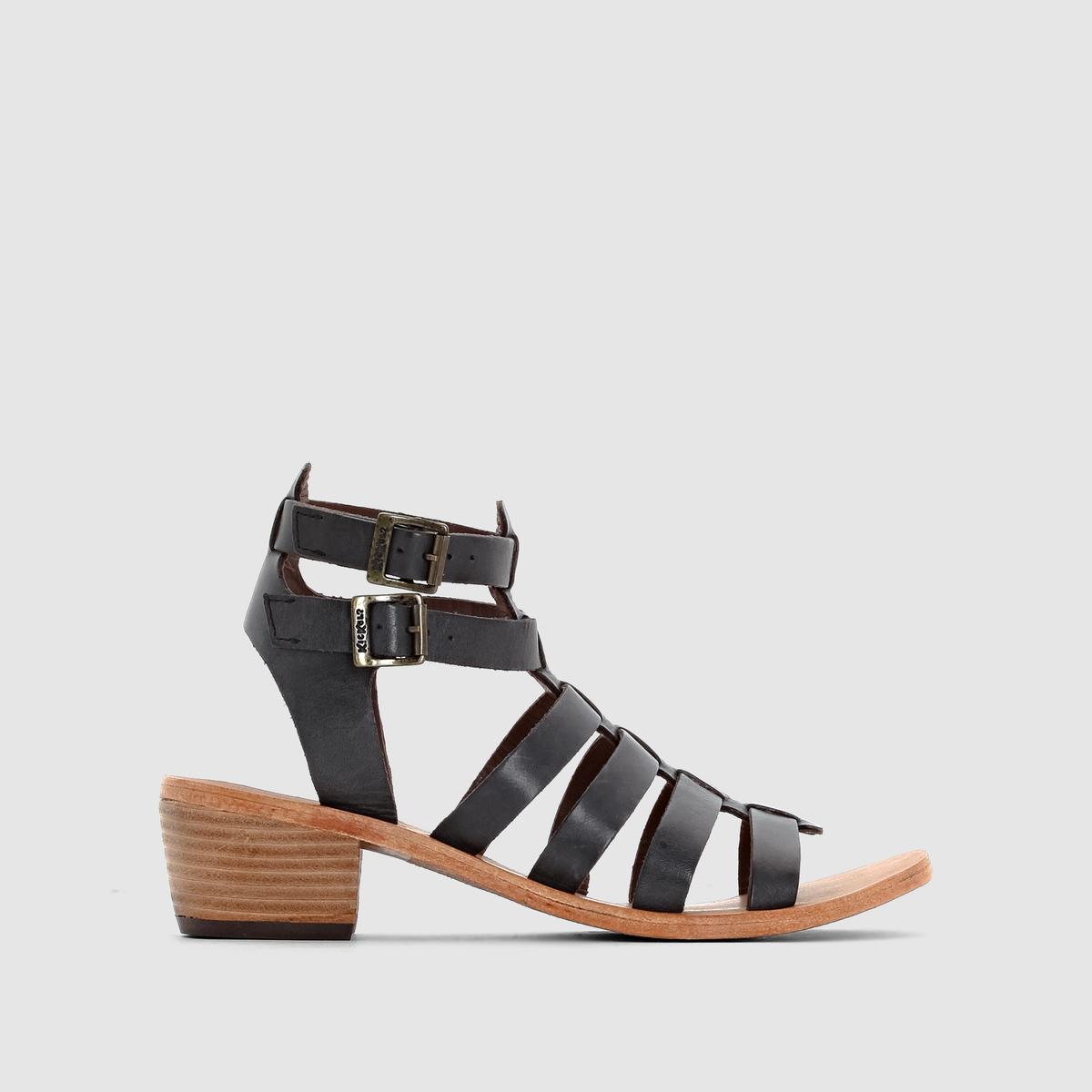 Босоножки кожаные на каблуке Khoala