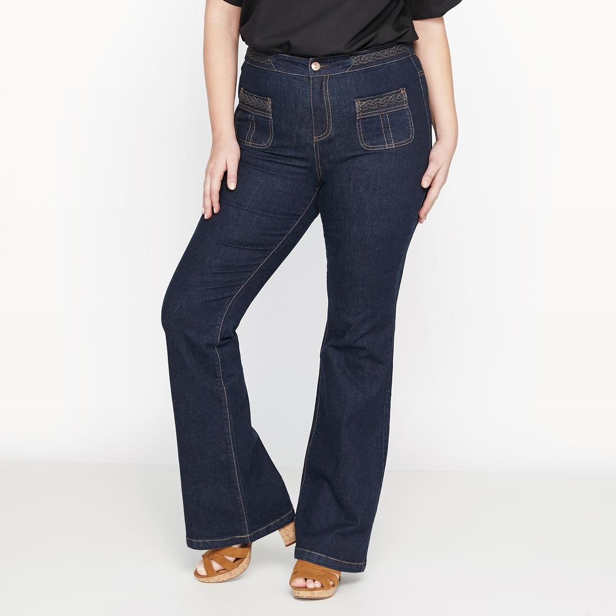 Джинсы-клешДжинсы клеш : тенденции 80-х годов снова в моде!  Очень стильные джинсы-клеш. Идеально будут смотреться с босоножками или ботильонами на каблуке.Детали •  Расклешенный покрой  •  Стандартная высота поясаСостав и уход • 99% хлопка, 1% эластана   •  Температура стирки 30°   •  Сухая чистка и отбеливание запрещены •  Не использовать барабанную сушку •  Низкая температура глажкиТовар из коллекции больших размеров<br><br>Цвет: синий с потертостями,темно-синий