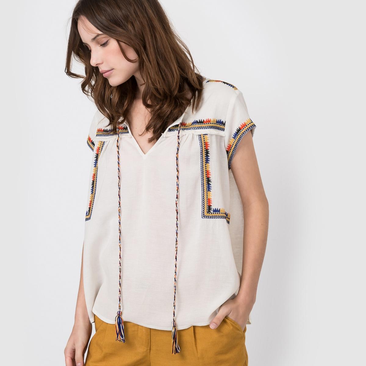 Блузка с вышивкой в этническом стиле