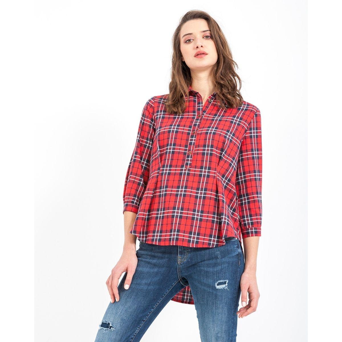 Chemise avec bas asymétrique et pinces dans le bas de la poitrine