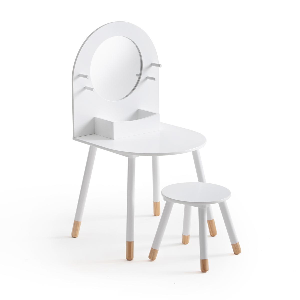 Стол туалетный и табурет детские, JIMIОписание:Детские туалетный стол и табурет JIMI. Великолепный комплект для маленьких кокеток.Характеристики туалетного стола JIMI : Ножки из массива сосны, МДФ с лаковым покрытием, отделка нитроцеллюлозным лаком. 1 круглое зеркало, 1 ниша для храненияХарактеристики табурета JIMI :Ножки из массива сосны. Круглое сиденье из МДФ с лаковым покрытием, отделка нитроцеллюлозным лакомРазмеры :Общие :Ширина : 50 см Глубина: 50 см Высота: 97 см (Высота столешницы: 47 см) Зеркало : Диаметр 30 см Полезные размеры:Ниша: 24 x 12,5 x 6,5 смРазмеры табурета:Диаметр : 30 см (сиденье) Высота: 29,6 смРазмеры и вес упаковки:1 коробка 60,5 x 56 x 12,2 см 8,2 кгДоставка :Туалетный стол и табурет Jimi продаются в разобранном виде. Возможна доставка до квартиры по предварительному согласованию!Внимание ! Убедитесь, что посылку возможно доставить на дом, учитывая ее габариты.<br><br>Цвет: белый