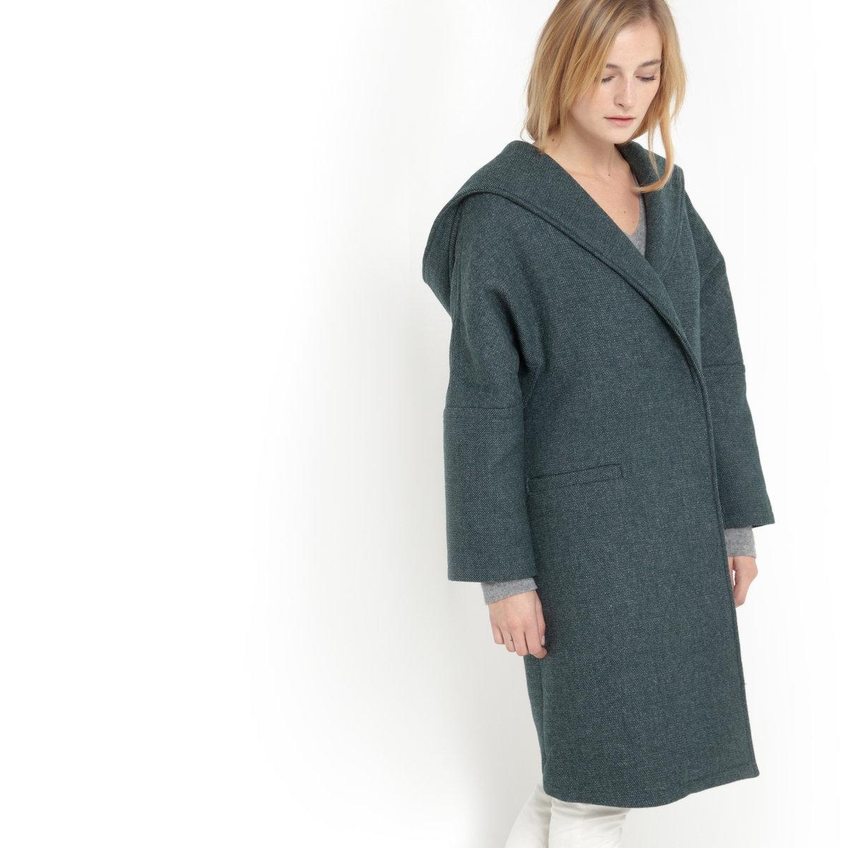 Пальто-кокон с капюшономДлинное пальто-кокон с капюшоном. 2 кармана спереди. Застежка на пуговицу и кнопку.  57% полиэстера, 38% шерсти, 5% других волокон, подкладка: 100% полиэстера. Длина 90 см.<br><br>Цвет: темно-зеленый<br>Размер: 38 (FR) - 44 (RUS)