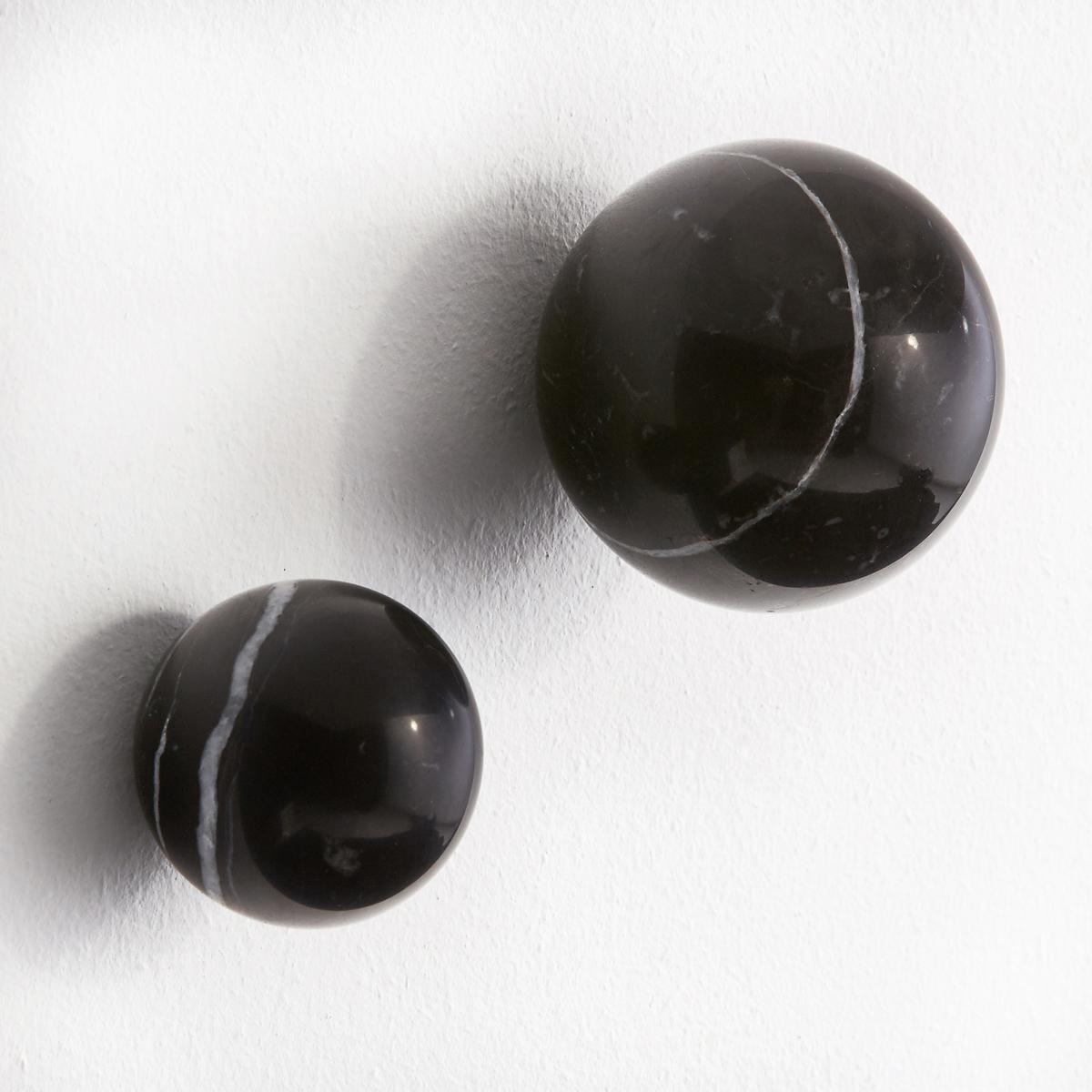 2 вешалки мраморные AmericiКомплект из 2 вешалок Americi. Два элегантных мраморных шара, на которые можно вешать Вашу одежду. - Шурупы и дюбеля не прилагаются.. В комплекте 2 размера: ?5 см и ?7 см.<br><br>Цвет: мраморный черный<br>Размер: единый размер