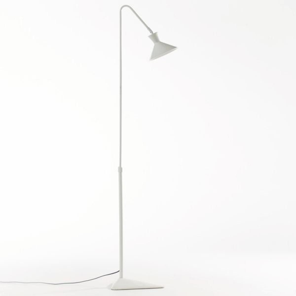 Торшер VoltigeТоршер Voltige. Строгий и функциональный дизайн светильника с регулируемым абажуром для направленного освещения.Характеристики :Лампа/Торшер из металла с эпоксидным покрытием .Регулируемая по высоте ножка .Патрон E14 для флюокомпактной лампочки макс 11W (не входят в комплект)  .Этот светильник совместим с лампочками    энергетического класса  A .Размеры :Высота мин. 100 см, макс. 150 см .Глубина 30 см.Размеры и вес коробки :Д.94 x Выс.18,5 x Гл.35 см, 4,5 кг .Это изделие может быть использовано в детской комнате (от 14 лет) в зависимости от действующих нормативов.<br><br>Цвет: белый,черный<br>Размер: единый размер