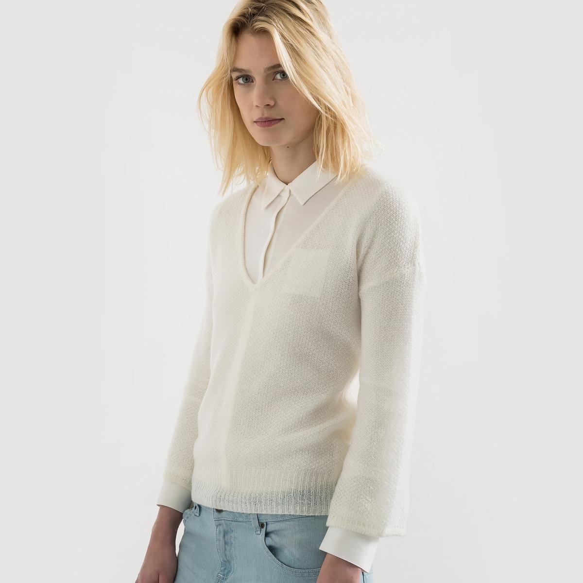 Пуловер с V-образным вырезом из воздушного трикотажаПуловер с V-образным вырезом. Изысканный женственный пуловер из воздушного трикотажа. Длинные рукава с приспущенными проймами.   Состав и описаниеМатериал : 55% акрила, 38% полиамида, 10% мохераДлина : 59 смУход Машинная стирка при 30 °С. Стирать и гладить с изнаночной стороны.<br><br>Цвет: слоновая кость<br>Размер: 46/48 (FR) - 52/54 (RUS)