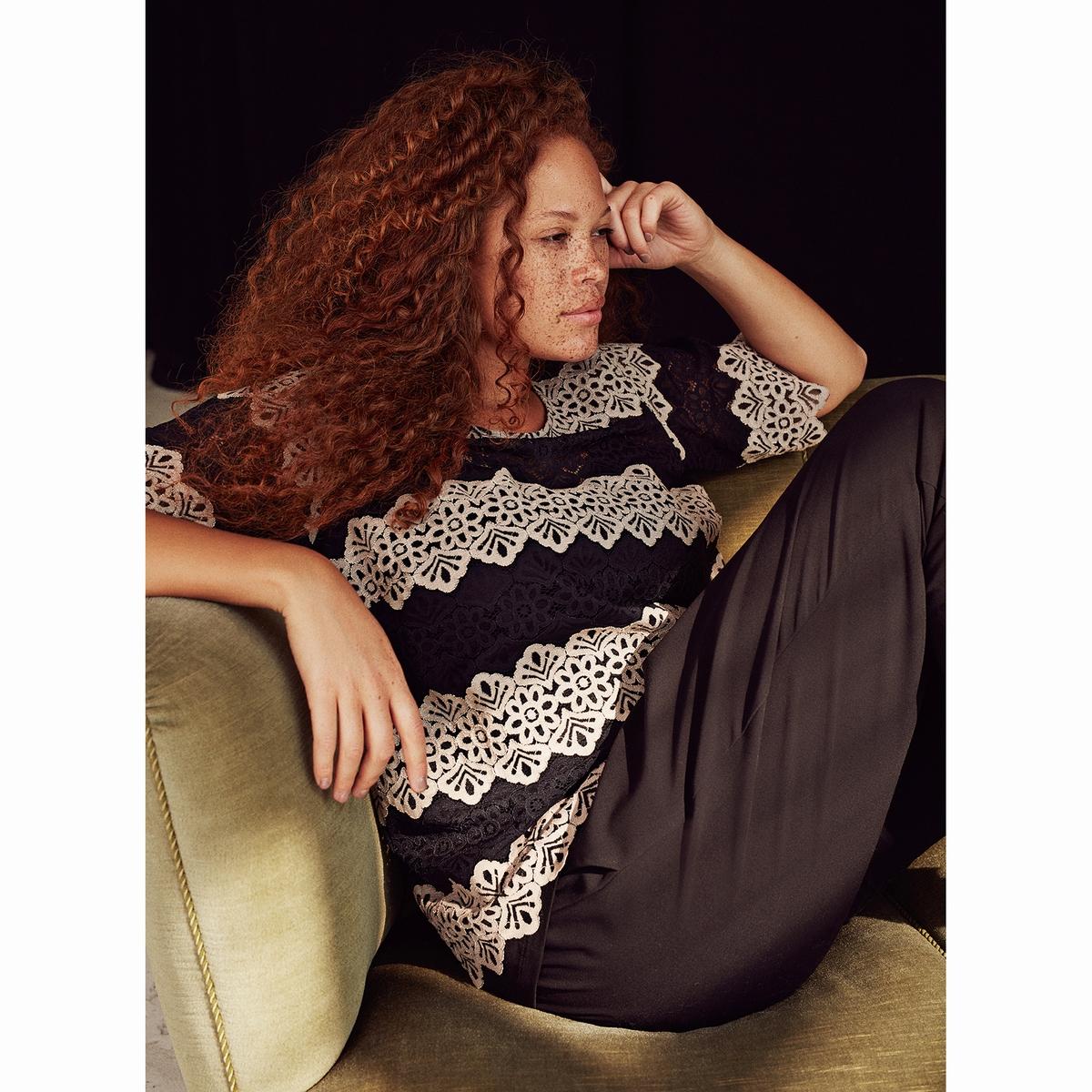 БлузкаБлузка ZIZZI. 55% хлопка, 45% полиамида. Женственная блузка из кружева. Круглый вырез, короткие рукава. Слегка прозрачная<br><br>Цвет: черный<br>Размер: 42/44 (FR) - 48/50 (RUS)
