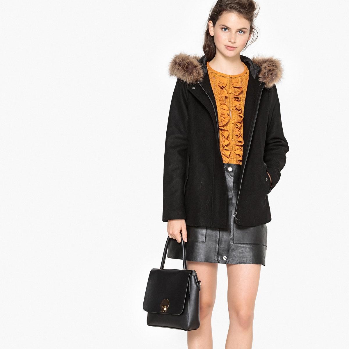 Abrigo corto con capucha de lana mezclada