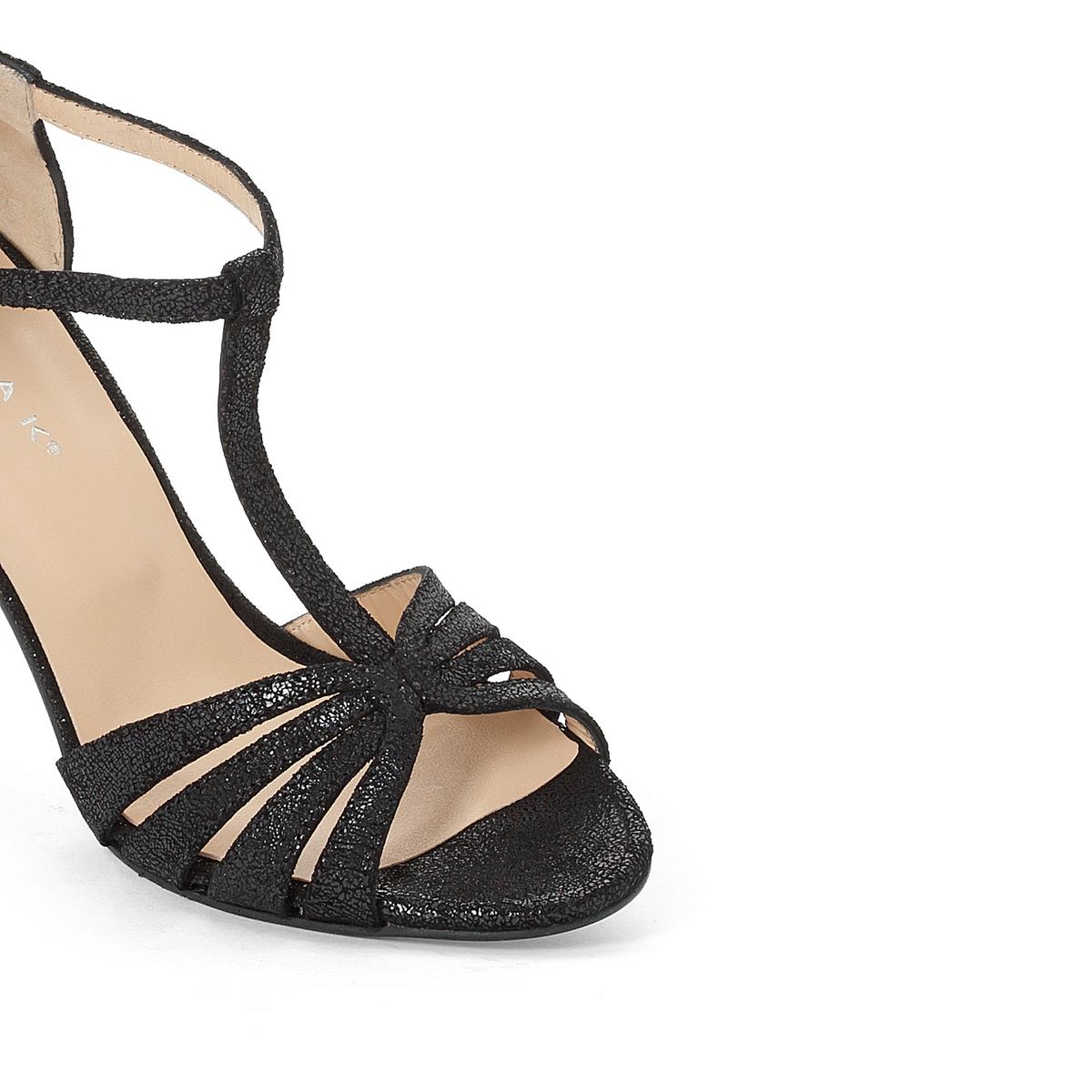 Босоножки кожаные AudetteВерх : кожа   Подкладка : кожа   Стелька : кожа   Подошва : эластомер   Высота каблука : 8 см   Форма каблука : тонкий каблук   Мысок : закругленный мысок   Застежка : пряжка<br><br>Цвет: черный