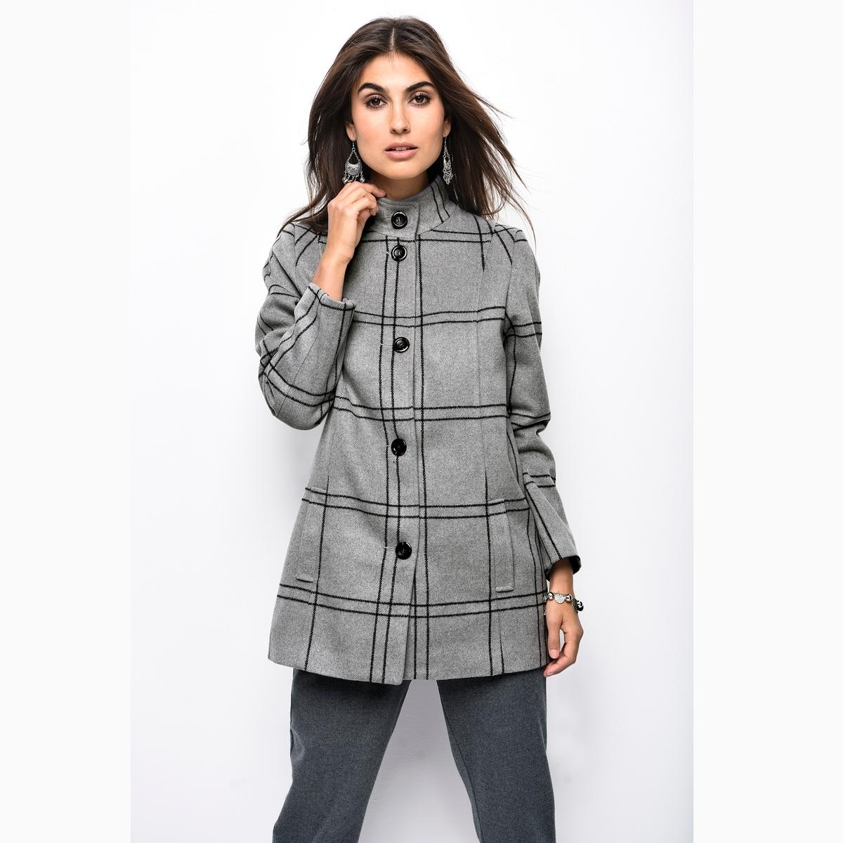 Пальто в клеткуОписание:Клетка в моде этой зимой ! Она придает строгость и элегантность пальто серого цвета приталенной формы .Детали •  Длина : средняя •  Воротник-стойка •  Рисунок в клетку • Застежка на пуговицыСостав и уход •  3% шерсти, 54% акрила, 43% полиэстера •  Подкладка : 100% полиэстер •  Следуйте рекомендациям по уходу, указанным на этикетке изделия •  Деликатная чистка/без отбеливателей •  Не использовать барабанную сушку   •  Низкая температура глажки<br><br>Цвет: в клетку<br>Размер: 38 (FR) - 44 (RUS).48 (FR) - 54 (RUS).44 (FR) - 50 (RUS)