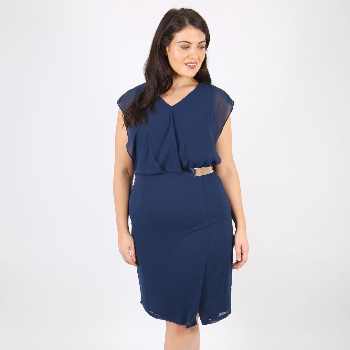 Платье прямое средней длиныДетали •  Форма : прямая •  Длина до колен •  Без рукавов    •   V-образный вырез •  Рисунок-принтСостав и уход •  100% полиэстер •  Следуйте рекомендациям по уходу, указанным на этикетке изделияТовар из коллекции больших размеров<br><br>Цвет: синий<br>Размер: 50/52 (FR) - 56/58 (RUS)