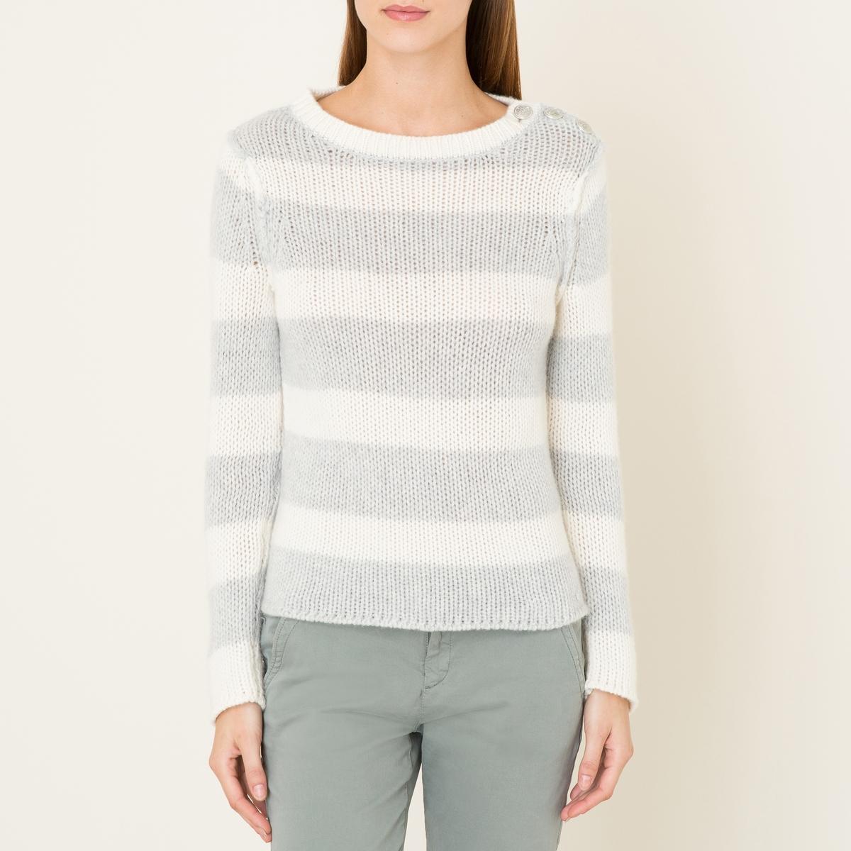 Пуловер JOSSПуловер BERENICE - модель JOSS, из кашемира крупной вязки, с рисунком в полоску. Вырез-лодочка. 3 гравированные металлические пуговицы на плече.Состав и описание    Материал : 100% кашемир   Марка : BERENICE<br><br>Цвет: серый меланж