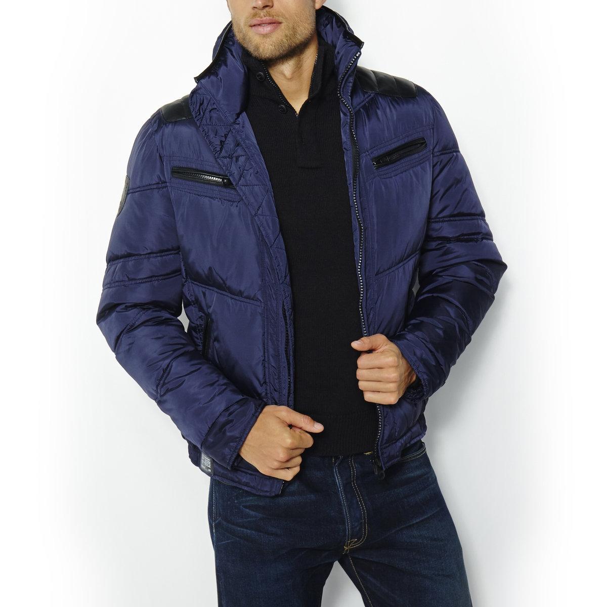 Куртка стеганая средней длины AIDEN NEPALСтеганая куртка на молнии. 100% нейлона®.  Вставки на плечах. 4 кармана на молнии. Капюшон в воротнике. 2 внутренних кармана на молнии. Длина куртки ок: 65 см.<br><br>Цвет: темно-синий