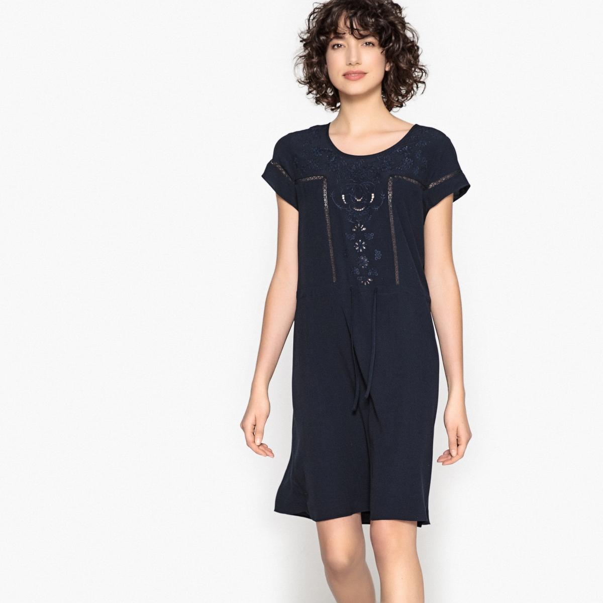 Платье с короткими рукавами  ROPLANTEОписание:Детали •  Форма : прямая •  Укороченная модель •  Короткие рукава    •  Круглый вырезСостав и уход •  100% вискоза •  Следуйте советам по уходу, указанным на этикетке<br><br>Цвет: темно-синий<br>Размер: M.S