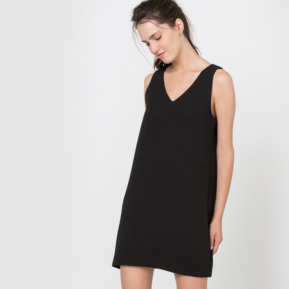 Платье прямого покроя декольтированное без рукавовСостав и описаниеМатериал: 100% полиэстер.Марка: MOLLY BRACKEN.УходСтирка при 30°С с вещами подобных цветов.Стирать и гладить с изнанки.<br><br>Цвет: черный<br>Размер: S