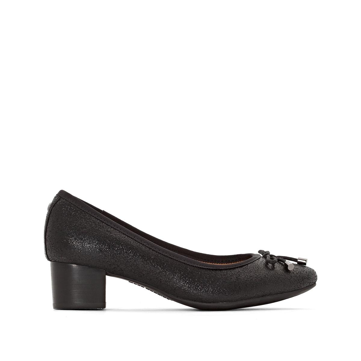 Туфли кожаные Nikita DiscoverПодкладка : текстиль Стелька : кожа Подошва : каучук Высота каблука : 4,5 см Форма каблука : широкий Мысок : закругленный Застежка : без застежки<br><br>Цвет: черный