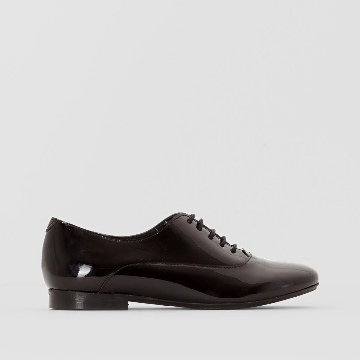 Ботинки дерби ANNEПодкладка : кожа          Стелька  : кожа          Подошва : Каучук.   Форма каблука : плоский каблук         Мысок : закругленный          Застежка : Шнуровка         Преимущества : Марка детской обуви от фирмы JONAK<br><br>Цвет: черный/черный лак<br>Размер: 32