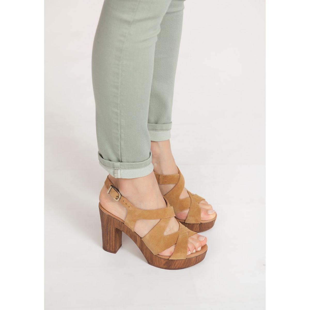 Sandales à talons brides croisées