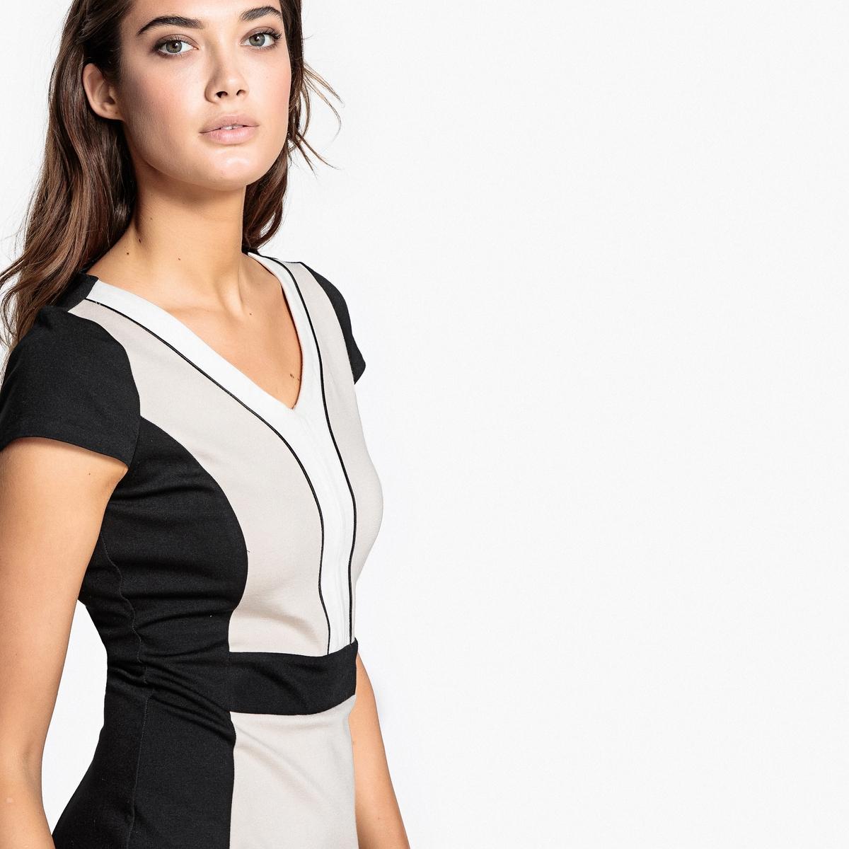 Платье облегающее, двухцветноеДетали •  Форма : Облегающий покрой •  Длина до колен •  Короткие рукава    •   V-образный вырезСостав и уход •  65% вискозы, 5% эластана, 30% полиамида •  Температура стирки 30°   •  Сухая чистка и отбеливание запрещены    •  Не использовать барабанную сушку   •  Низкая температура глажки<br><br>Цвет: черный/ бежевый<br>Размер: 44 (FR) - 50 (RUS).42 (FR) - 48 (RUS).38 (FR) - 44 (RUS)