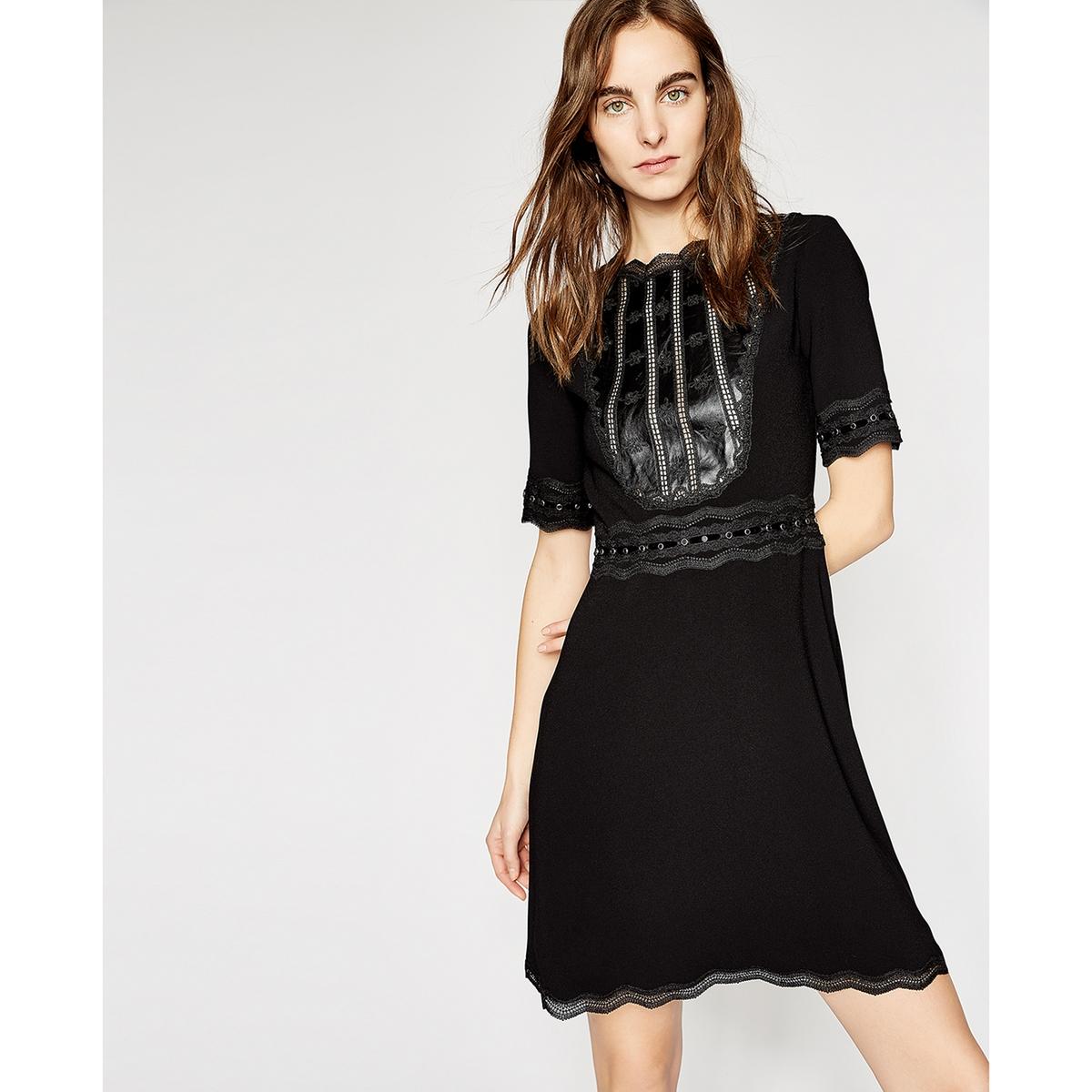 Платье короткое со вставкой из кожи и кружева блузка с квадратным вырезом со вставкой из кружева