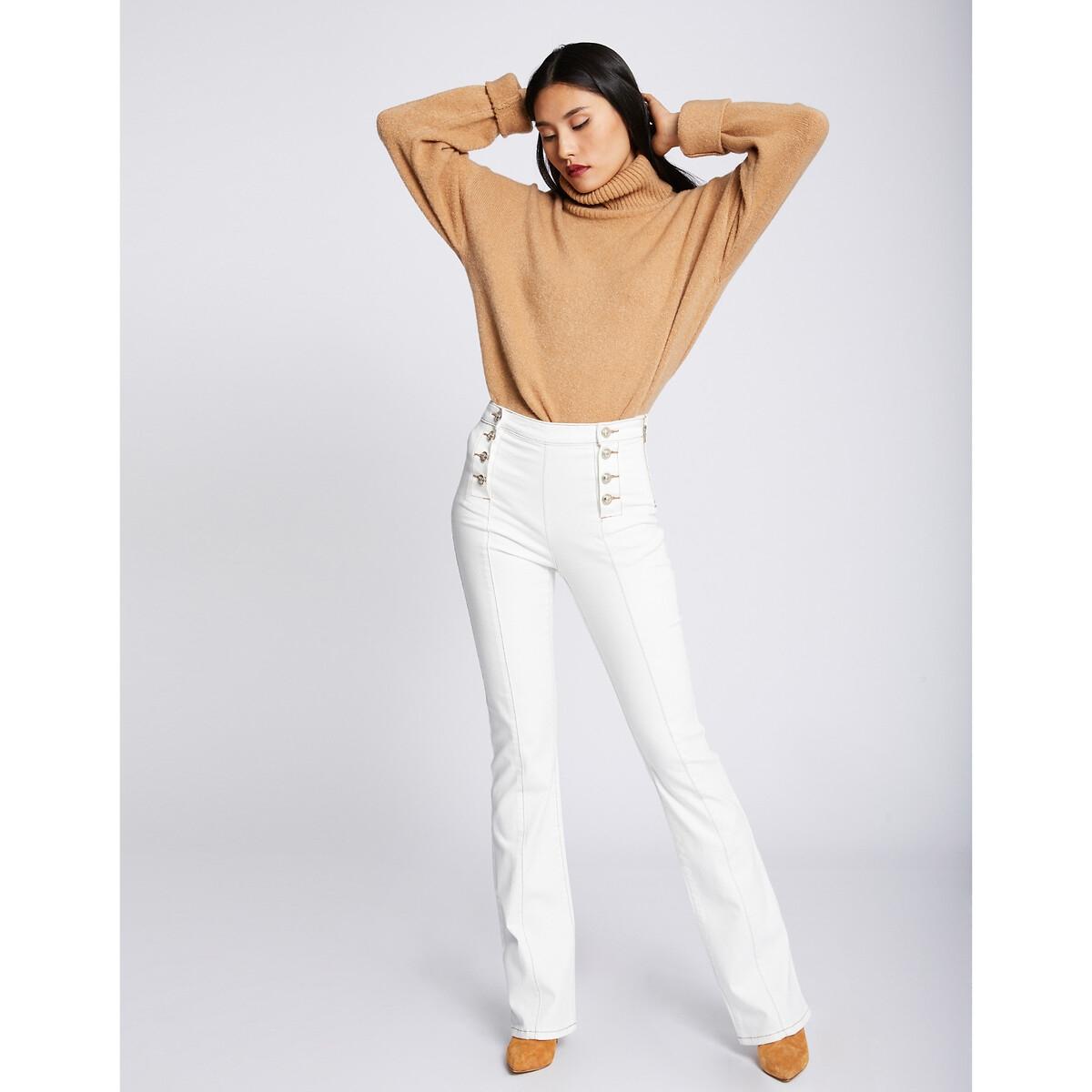 Jeans direitos com cintura subida e ponte