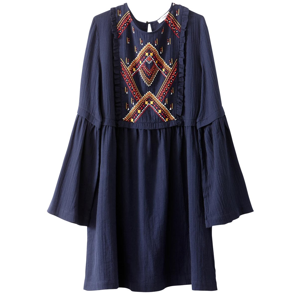 Платье короткое с длинными рукавами, с вышивкой