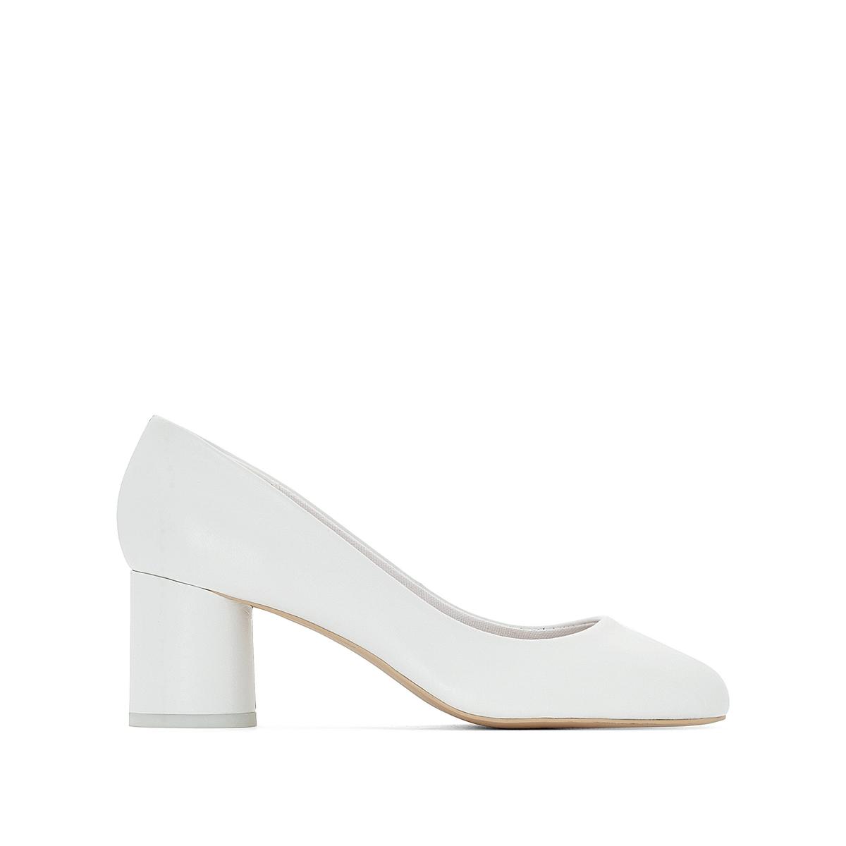 Туфли из белой кожи