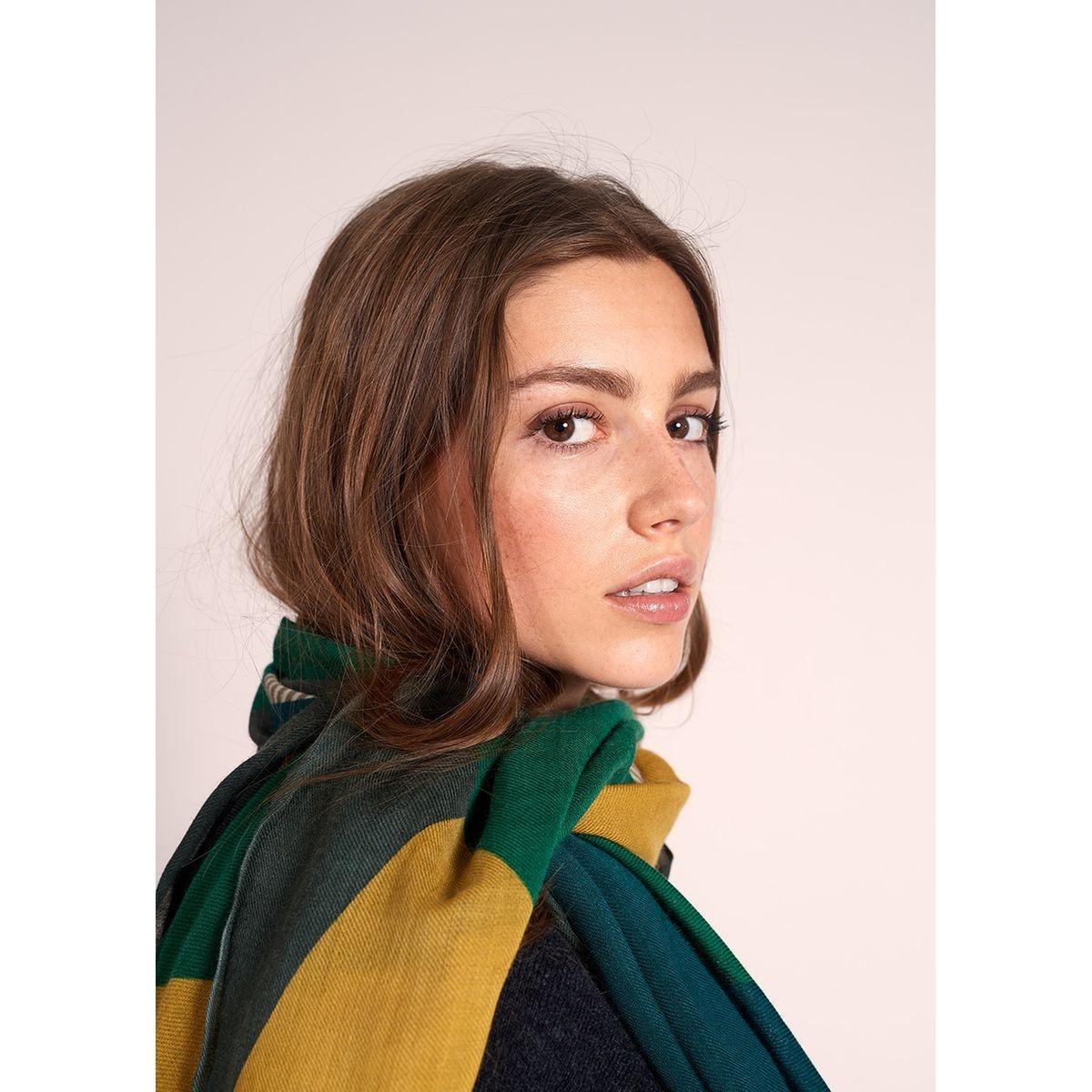 Foulard multicolore et rayé