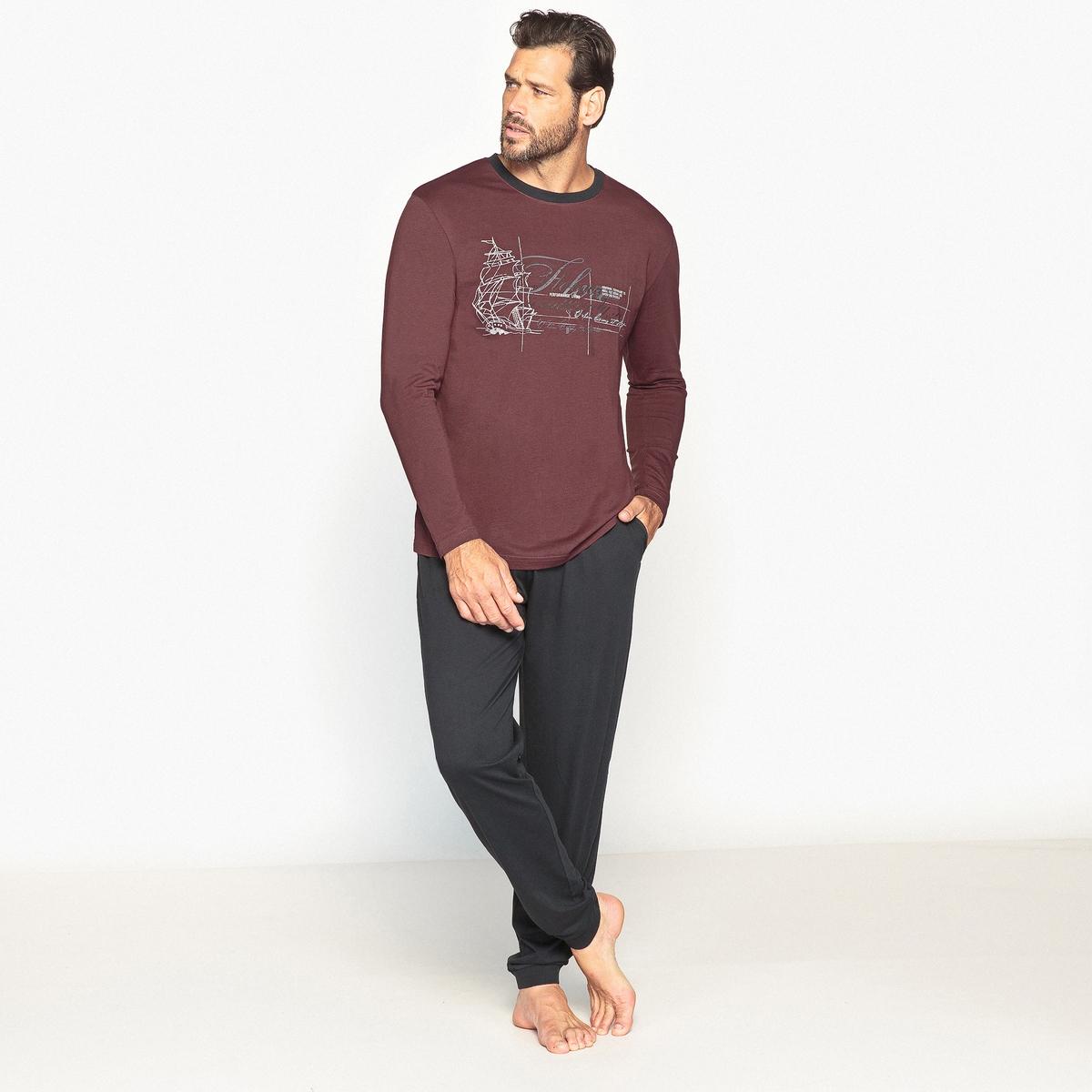 ПижамаОписание:Симпатичная пижама! Очень комфортная трикотажная пижама из 100% хлопка. Детали •  Футболка с длинными рукавами. Круглый вырез. Рисунок спереди. •  Брюки: эластичные пояс и низ брючин.Состав и уход  •  Материал: 100% хлопок. •  Машинная стирка при  40° •  Принт на футболке не гладить.<br><br>Цвет: антрацит/бордовый<br>Размер: 74/76.70/72