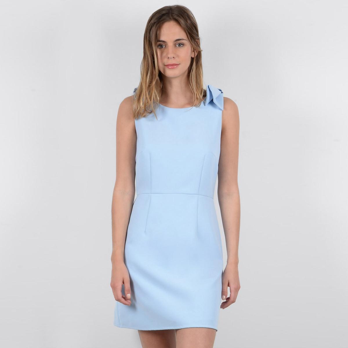 Платье короткое прямое без рукавов