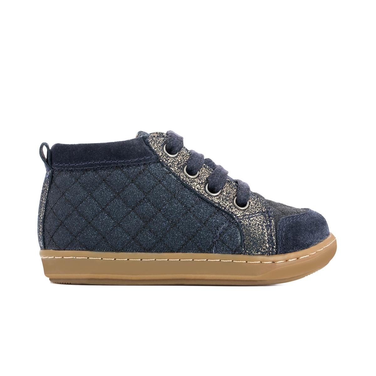 Кеды высокие блестящие BOUBA NEW COVER PADДетали  •  Кеды высокие •  Спортивный стиль •  Плоский каблук •  Высота каблука : 0 см •  Застежка : шнуровка.Состав и уход  •  Верх 100% текстиль •  Стелька 100% кожа •  Подошва 100% каучук<br><br>Цвет: темно-синий/ золотистый