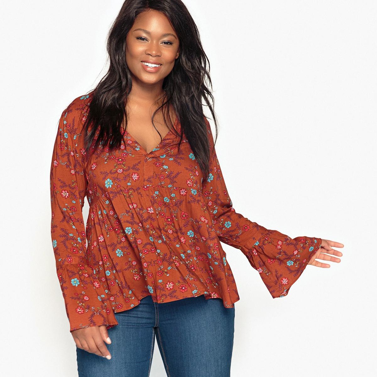 Блузка с рисунком и длинными расклешенными рукавами