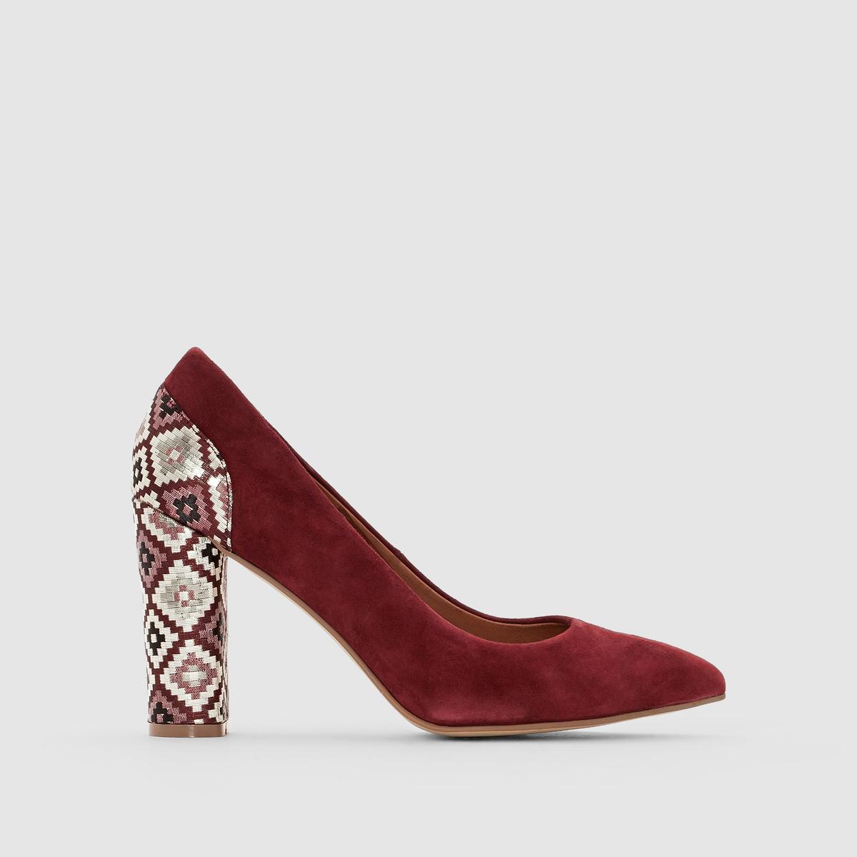 Туфли-лодочки кожаные с рисунком в стиле этно