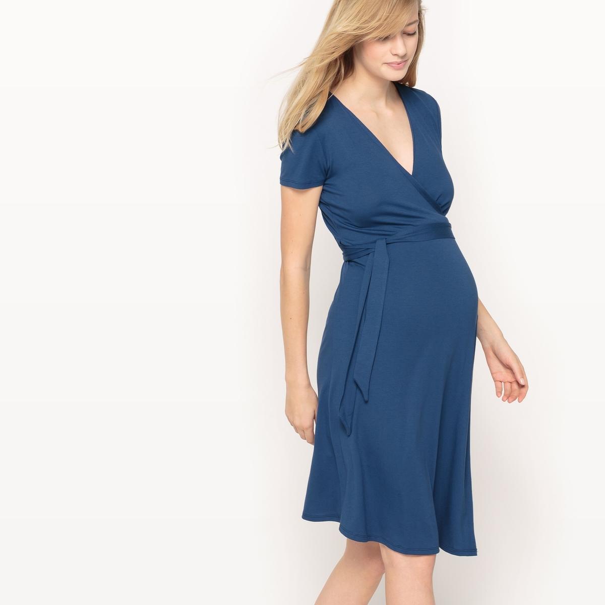 Платье с запахом для периода беременностиДетали  •  Форма :с запахом •  Длина до колен •  Короткие рукава    •   V-образный вырез Состав и уход •  95% вискозы, 5% эластана  •  Стирать при 30° на деликатном режиме  •  Сухая чистка и отбеливание запрещены   •  Не использовать барабанную сушку  •  Низкая температура глажки Изделие адаптировано для периода беременности<br><br>Цвет: синий,черный<br>Размер: S.M.S.M