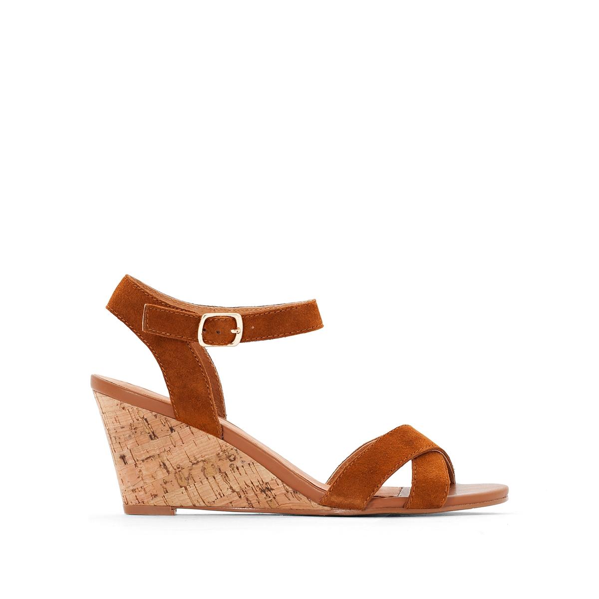Sandálias em pele