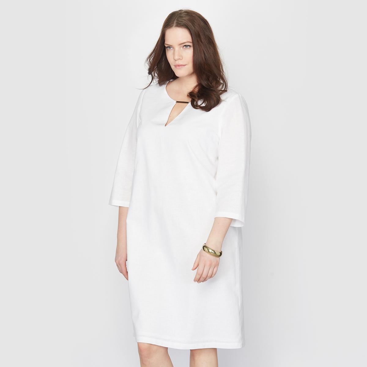 Платье изо льна и хлопкаМаленькое белое платье изо льна и хлопка.Незаменимо в летнем гардеробе. Декольте с деталью в виде украшения. 55 % льна, 45 % хлопка. V-образный вырез.   Рукава 3/4.Длина: 96 см.<br><br>Цвет: белый<br>Размер: 44 (FR) - 50 (RUS).46 (FR) - 52 (RUS)