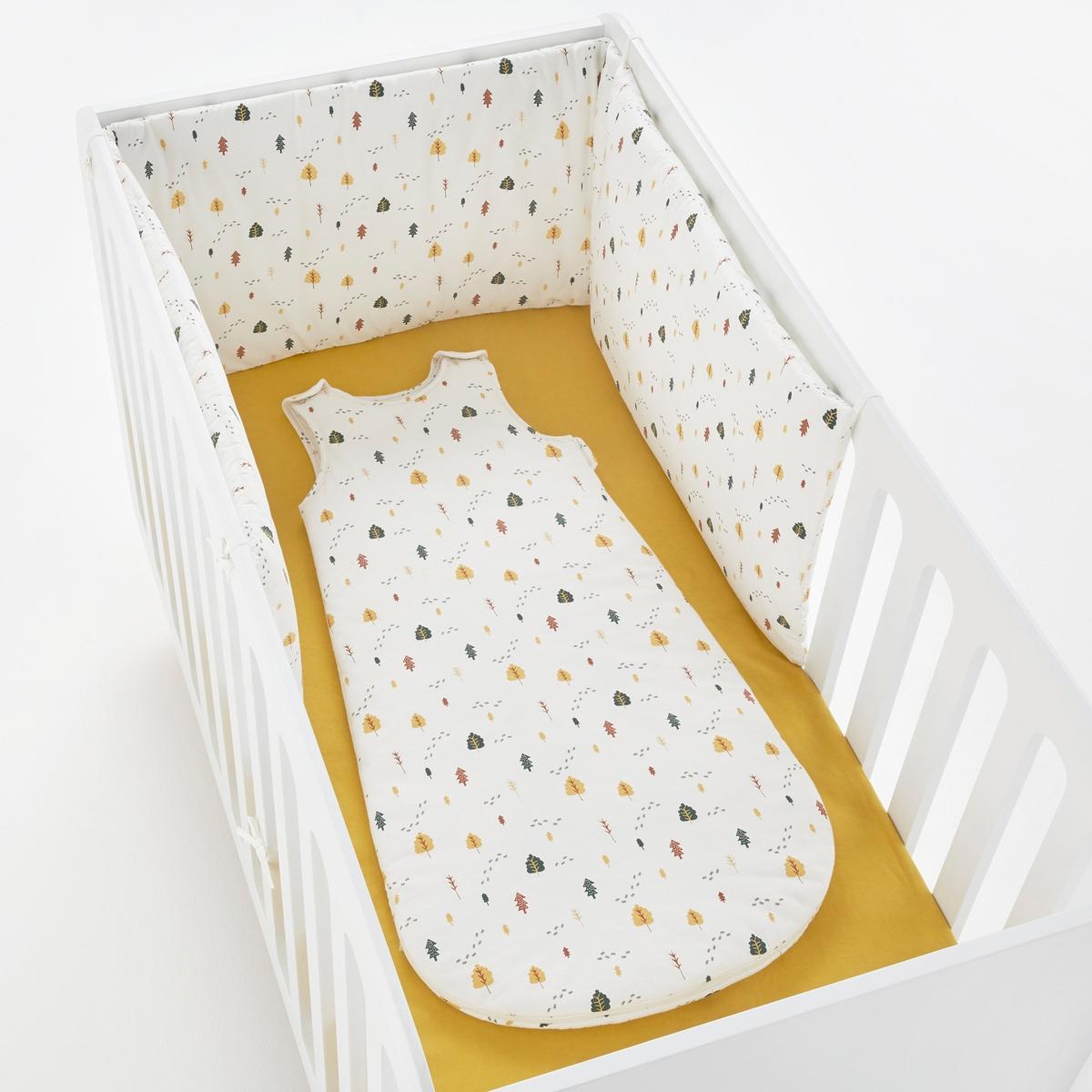 Хлопковые защитные бортики для кроватки единого размераХлопковые защитные бортики для кроватки с рисунком лес. 3 панели на завязках. Эти защитные бортики подходят для кроваток с решеткой 60 x 120 см и 70 x 140 см.Состав и описание :    Материал: 100% хлопок Размеры    40 x 180 см  Уход : Машинная стирка при 30 °C на умеренном режиме с вещами схожих цветов. Стирать, сушить и гладить с изнаночной стороны. Машинная сушка запрещена. Гладить при низкой температуре.<br><br>Цвет: рисунок/экрю