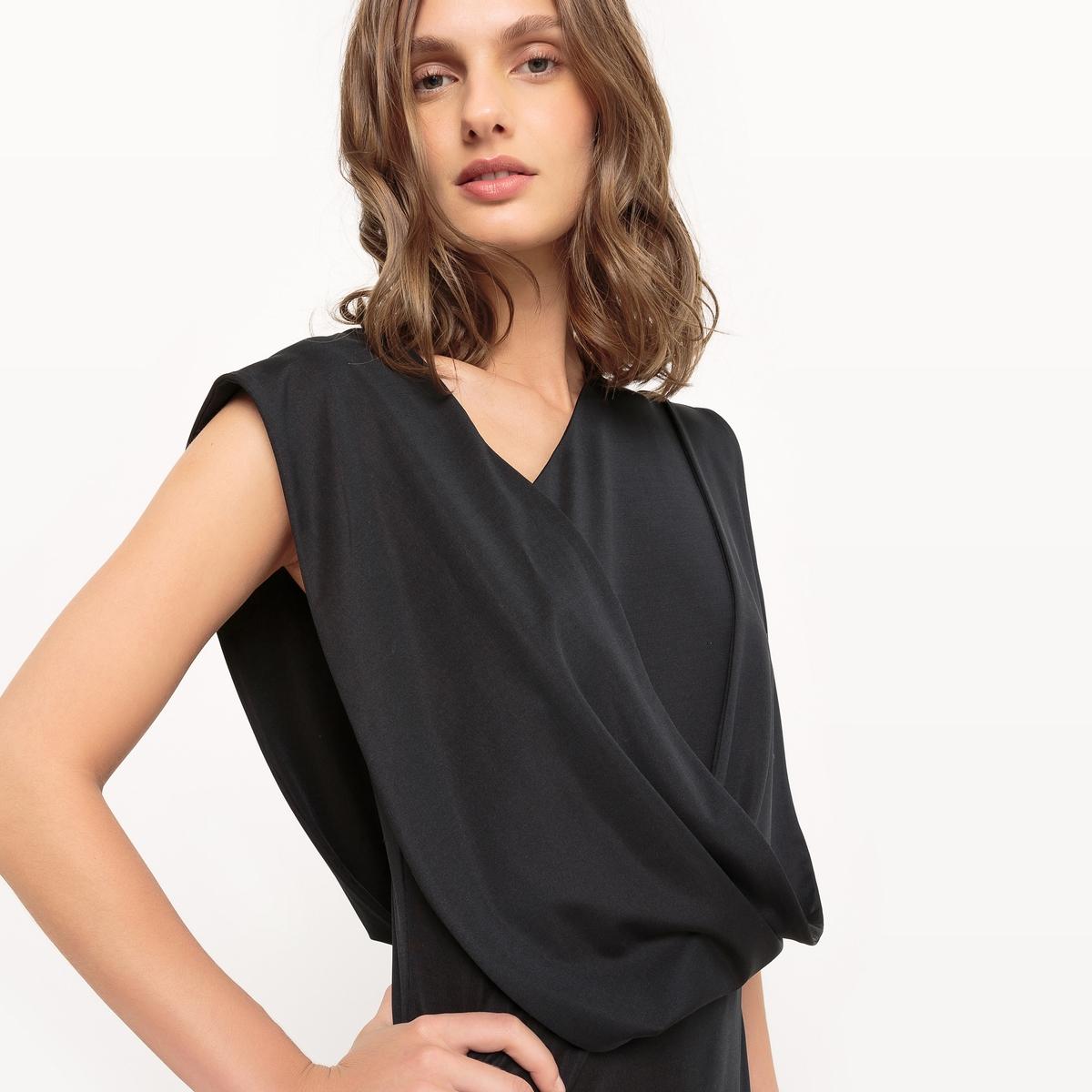 Платье длинное без рукавовДлинное платье из трикотажа. Асимметричный прямой покрой, со складками. Без рукавов. Широкая лента для эффекта драпировки от плеча по боковой стороне. Состав и описание Материал : 90% полиэстера, 10% эластанаДлина : 148 см Марка : Manon Vandrisse для La RedouteУходМашинная стирка при 30 °C в деликатном режимеРазрешается использование любых растворителейОтбеливание запрещеноБарабанная сушка запрещенаГладить при низкой температуре<br><br>Цвет: черный<br>Размер: 44 (FR) - 50 (RUS)