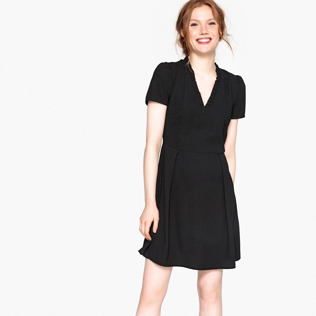купить Платье расклешенное короткое с короткими рукавами по цене 3399 рублей