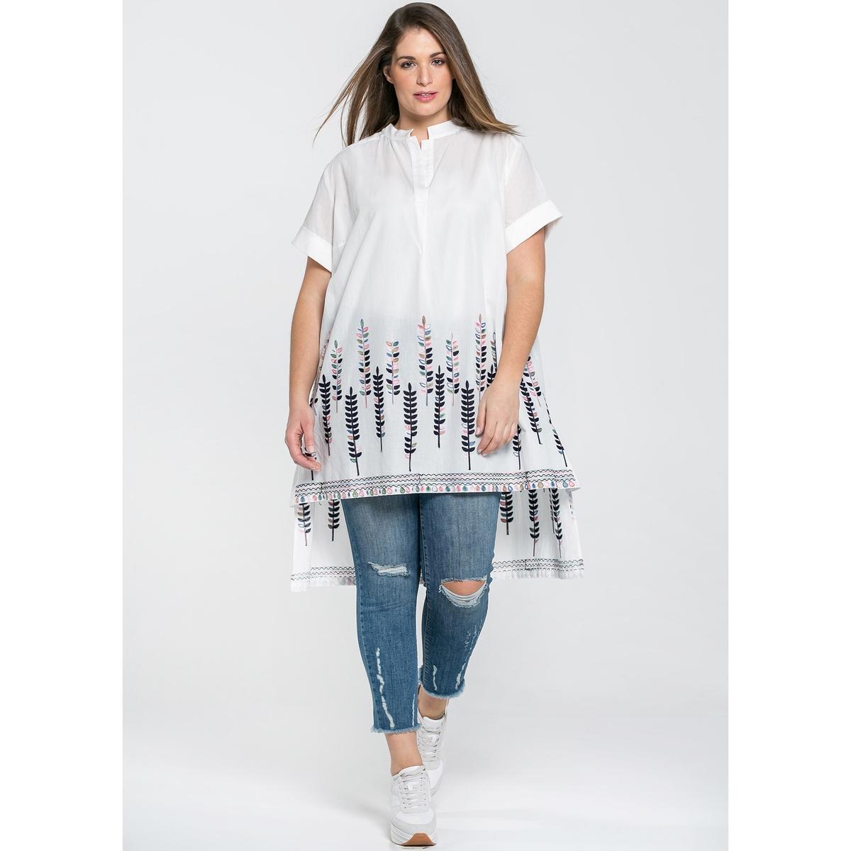купить Платье длинное расклешенное с короткими рукавами по цене 10349.1 рублей